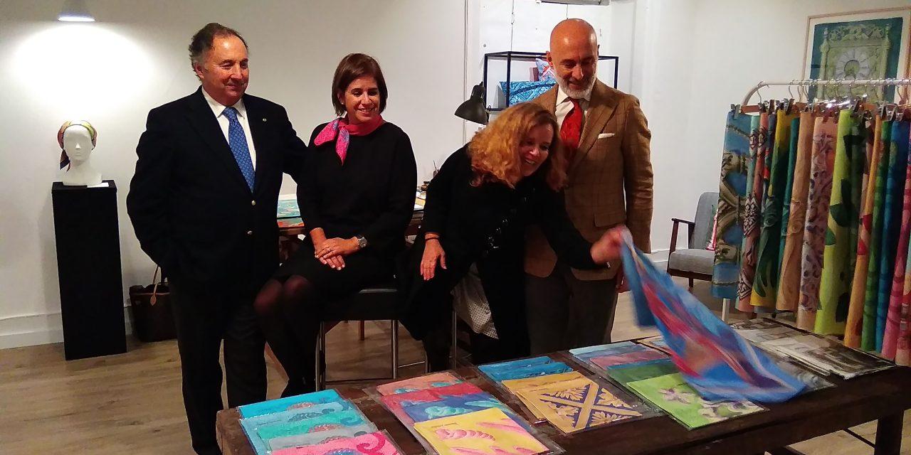 Os lenços Fernanda Lamelas Arts: a nova Rota da seda