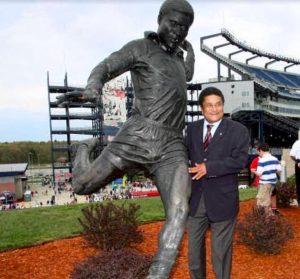 Eusébio, em Boston, no Estádio dos New England na inauguração da sua estátua